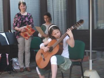 terasznyito-gitarkoncert08.jpg