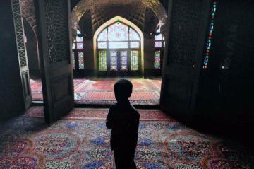 05_irani_utcagyerek.jpg