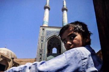 08_irani_utcagyerek.jpg