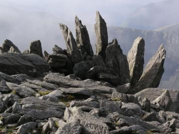 10_glyder_fawr_rocks.jpg