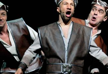 István, a király 14