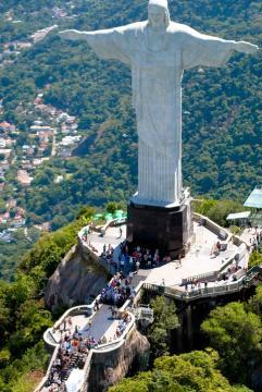 A brazíliai Megváltó Krisztus szobra