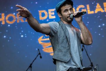 Isard Camps énekes a spanyol Hora de Joglar együttes koncertjén (Mónus Márton fotója)