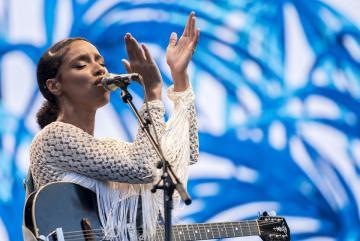 Lianne La Havas brit énekes-dalszerző ad koncertet (Sóki Tamás fotója)