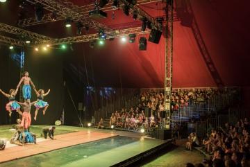 A kanadai-guineai Afrique En Cirque előadása (Sóki Tamás fotója)