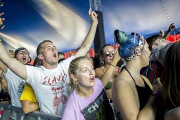 Közönség a brit Slaves punk rock együttes koncertjén (Sóki Tamás fotója)