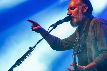 Az angol Fink (Fin Greenall) énekes-dalszerző ad koncertet (Mónus Márton fotója)