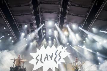 Isaac Holman  (b) és Laurie Vincent a brit Slaves punk rock együttes koncertjén (Sóki Tamás fotója)