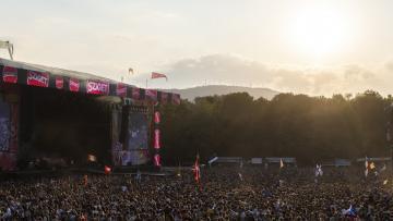 Közönség a dán énekes-dalszerző, MO koncertjén (Mónus Márton fotója)