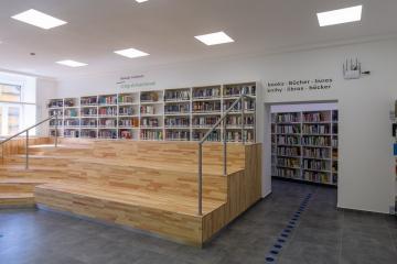 Megújult Kisfaludy Könyvtár első emelet 30