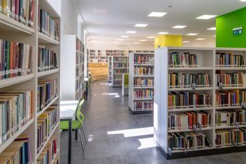Megújult Kisfaludy Könyvtár első emelet 21