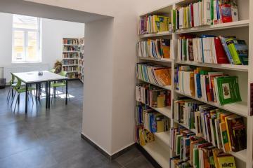 Megújult Kisfaludy Könyvtár első emelet 35