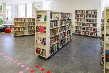 Megújult Kisfaludy Könyvtár első emelet 11
