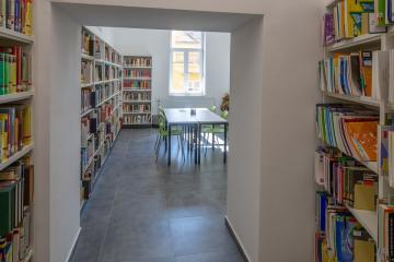 Megújult Kisfaludy Könyvtár első emelet 36