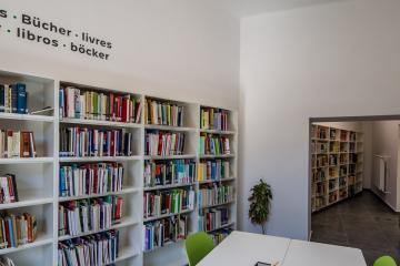 Megújult Kisfaludy Könyvtár első emelet 40