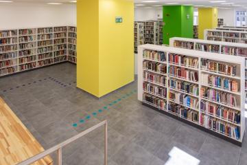 Megújult Kisfaludy Könyvtár első emelet 46