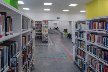 Megújult Kisfaludy Könyvtár első emelet 22