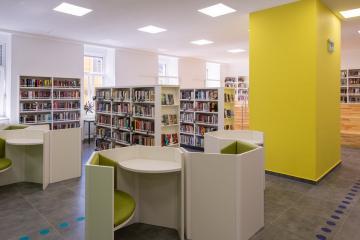 Megújult Kisfaludy Könyvtár első emelet 27