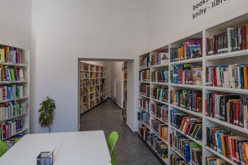 Megújult Kisfaludy Könyvtár első emelet 39