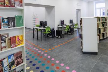 Megújult Kisfaludy Könyvtár első emelet 09