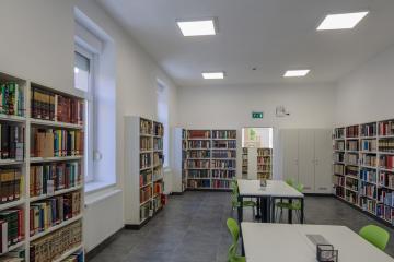 Megújult Kisfaludy Könyvtár első emelet 44
