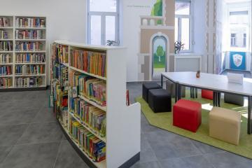 Megújult Kisfaludy Könyvtár első emelet 12
