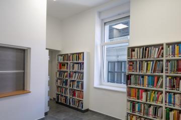 Megújult Kisfaludy Könyvtár első emelet 43