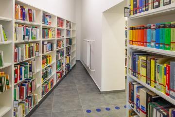 Megújult Kisfaludy Könyvtár első emelet 37