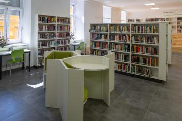 Megújult Kisfaludy Könyvtár első emelet 25