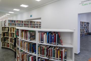 Megújult Kisfaludy Könyvtár első emelet 17