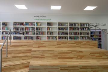 Megújult Kisfaludy Könyvtár első emelet 33