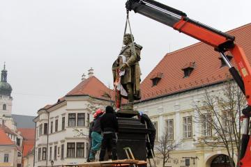 Kisfaludy-szobor 16