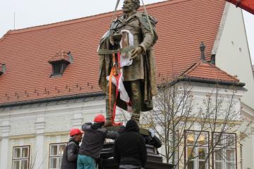 Kisfaludy-szobor 15