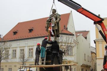 Kisfaludy-szobor 14