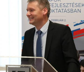 Széchenyi Egyetem - Uniós fejlesztések 06