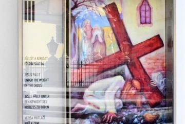 Babos Éva: Jézust a kereszt földre sújtja (festmény)