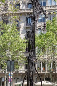 Antoni Gaudí Barcelonája 77