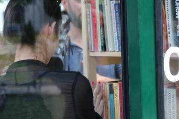 Könyves fülke 14