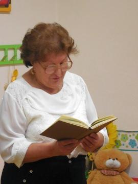 Radnóti emlékest a Ménfőcsanaki Fiókkönyvtárban 06