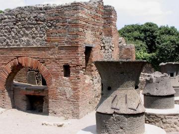 Megkezdődött az ásatás Pompeji romjainál 13