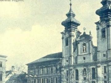A Wolf Gyula-féle könyvkereskedés a győri Széchenyi téren