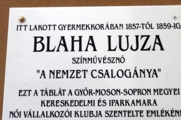 Blaha Lujza emléktábla Győrben 15