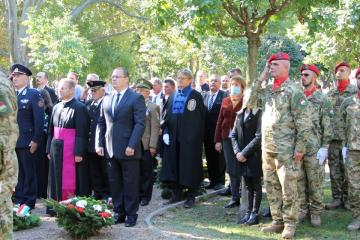 Koszorúzás Győr, Batthyány tér 09